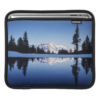 California, Sierra Nevada Mountains, Yosemite 9 iPad Sleeve