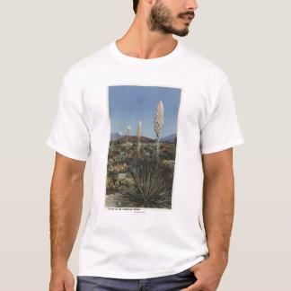CaliforniaYucca Cacti in Bloom in Desert T-Shirt