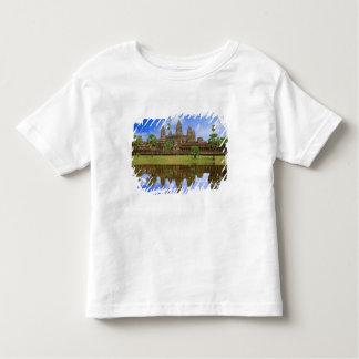 Cambodia, Kampuchea, Angkor Wat temple. T Shirts