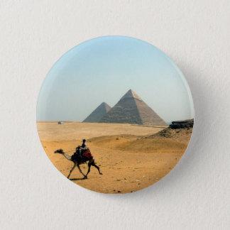 camel pyramid 6 cm round badge
