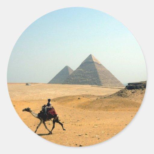 camel pyramid classic round sticker