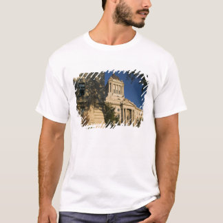 Canada, Manitoba, Winnipeg: Manitoba Legislative T-Shirt