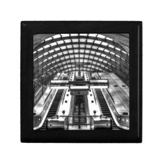 canary wharf tube station gift box