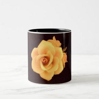 Capodimonte Yellow Rose 11 oz two tone mug