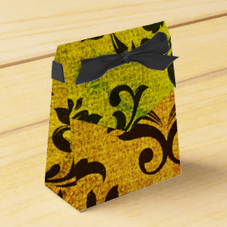 Capture smiles with these Favor boxes! Favour Boxes