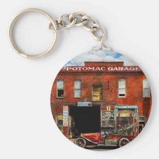 Car - Garage - Misfit Garage 1922 Basic Round Button Key Ring