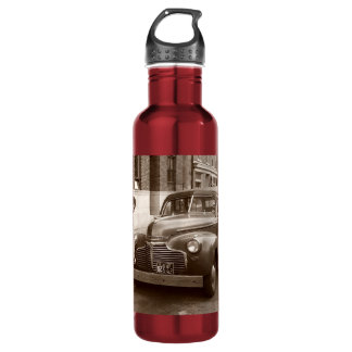 Car with Wooden Bumper WWII 710 Ml Water Bottle