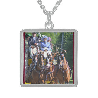 carriage driving square pendant necklace