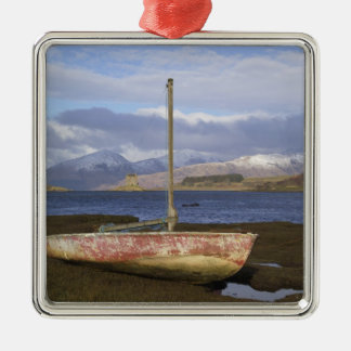 Castle Stalker with fishing boat in the Silver-Colored Square Decoration