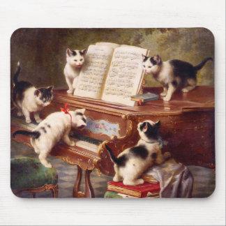 Cat Art: Vintage Art Print: The Kitten's Recital Mouse Mat