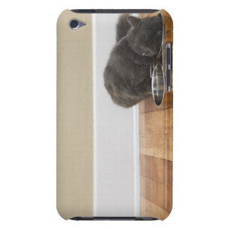 Cat eating from bowl Case-Mate iPod touch case