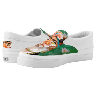 cat Frida with flowers Slip-On Shoes
