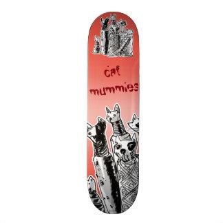 cat mummies on streets 21.6 cm skateboard deck