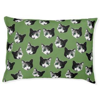 Cat pattern pet bed