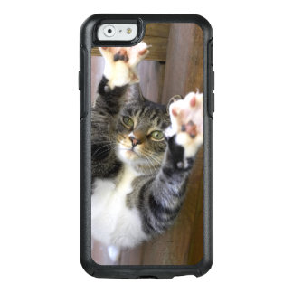 Cat stretching, indoors OtterBox iPhone 6/6s case