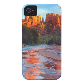 Cathedral Rock reflecting in Oak Creek at Sunset Case-Mate iPhone 4 Case