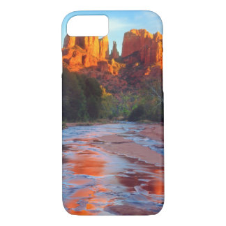 Cathedral Rock reflecting in Oak Creek at Sunset iPhone 8/7 Case