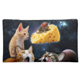 Cats and the mouse on the cheese makeup bag