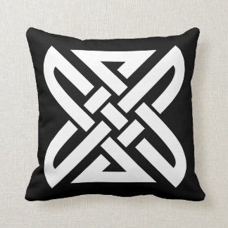 Celtic Knot 4-point Throw Cushions