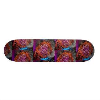 Celtic Knot heart By Nathan Robert Simonson 20.6 Cm Skateboard Deck