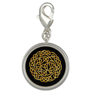 Celtic Knot in Gold