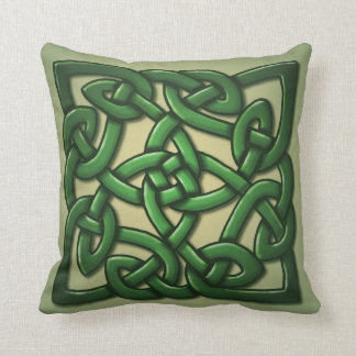 Celtic Knot in green Cushion