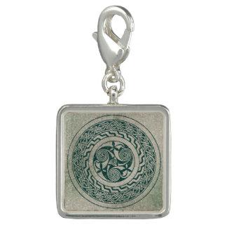 Celtic Knotwork Irish Medallion Pattern in Green