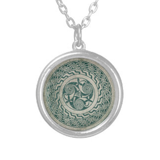 Celtic Knotwork Irish Medallion Pattern in Green Silver Plated Necklace