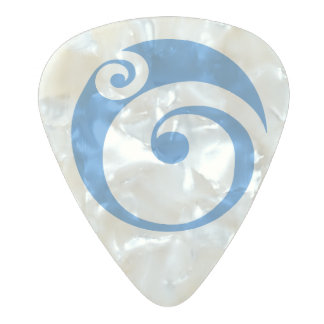 Celtic Shield I Pearl Celluloid Guitar Pick