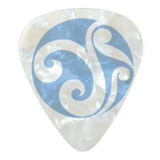 Celtic Shield III Pearl Celluloid Guitar Pick