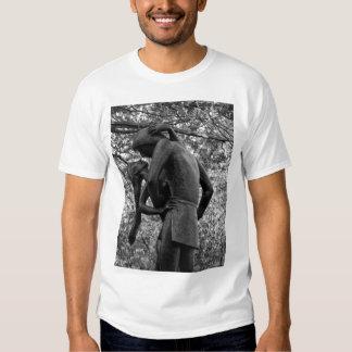 Central Park Autumn: Romeo & Juliet Statue 01 B&W T Shirt