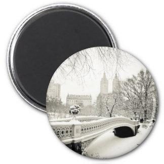 Central Park Winter - Snow on Bow Bridge 6 Cm Round Magnet