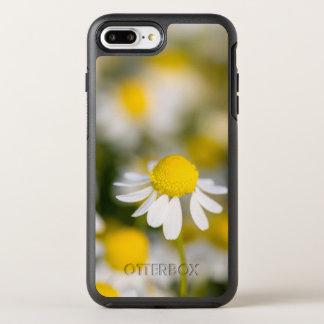 Chamomile flower close-up, Hungary OtterBox Symmetry iPhone 8 Plus/7 Plus Case