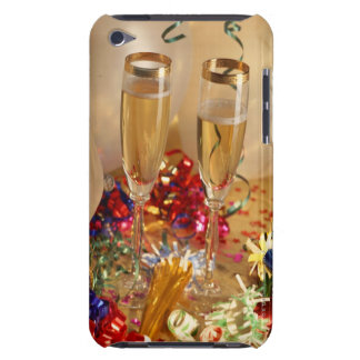 Champagne flutes, streamers and noisemakers iPod touch cases