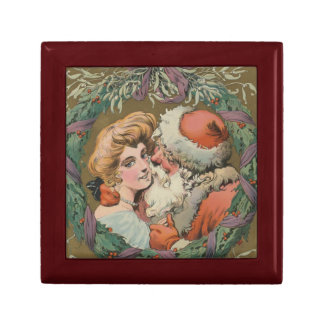 Charming Vintage Kissing Santa Christmas Wreath Gift Box