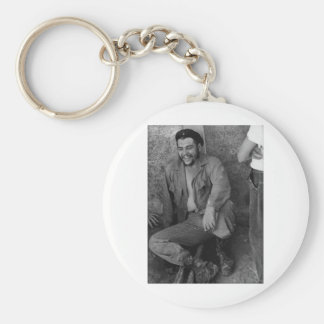 Che laughing basic round button key ring