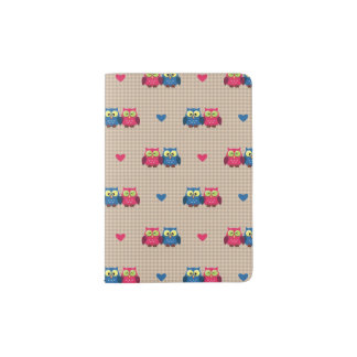 Checked pattern with love owls passport holder