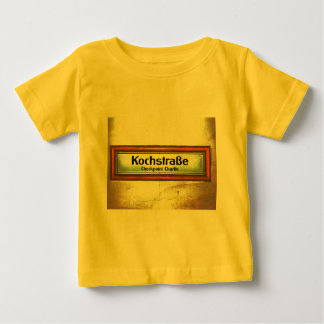 Checkpoint Charlie, Kochstrabe, Yellow and Orange Shirts