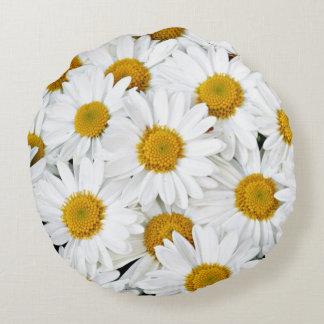 Cheerful daisies round cushion