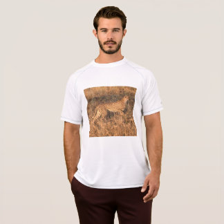 Cheetah Poised To Move T-Shirt