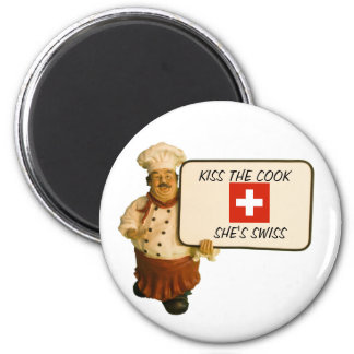 Chef Says Kiss The Cook 6 Cm Round Magnet
