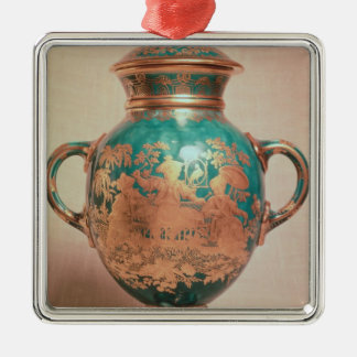 Chelsea vase and lid with gilt chinoiserie christmas ornament