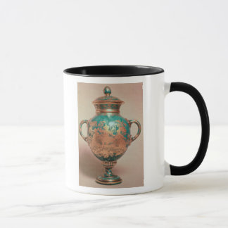 Chelsea vase and lid with gilt chinoiserie mug