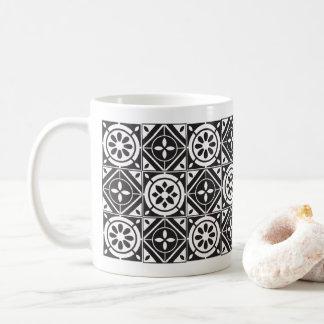 Chequered-pattern mug