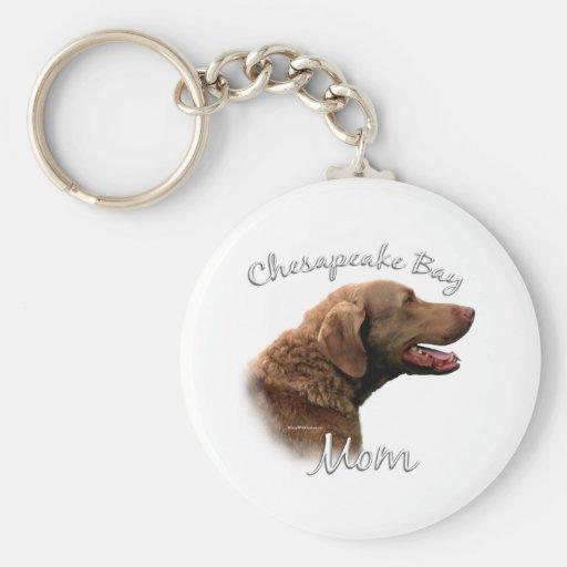 Chesapeake Bay Retriever Mum 2 Basic Round Button Key Ring