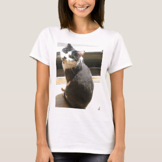 Chester the cat_sitting at the door T-Shirt