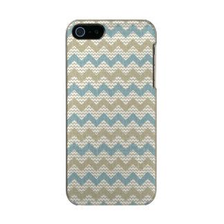 Chevron pattern on linen texture incipio feather® shine iPhone 5 case