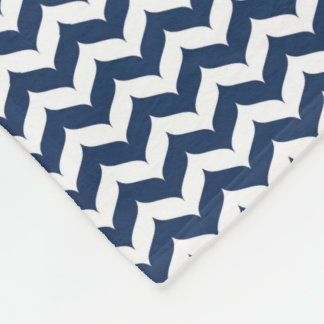 Chevron Zigzag Wingtip Stripe Pattern Fleece Blanket