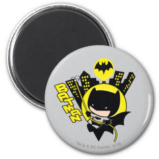 Chibi Batman Scaling The City 6 Cm Round Magnet