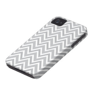 Chic gray zigzag chevron pattern iPhone 4 case